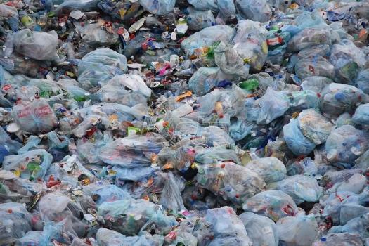 Naučnici slučajno napravili enzim koji uništava plastiku